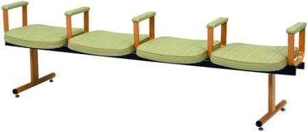 ベンチ型のロビーチェア仕様の介護椅子